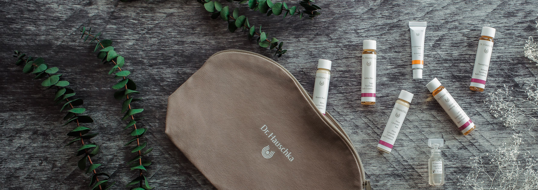 Are you new to green beauty? Well, here is a list of green beauty gift ideas for any beginner of the ethical lifestyle. We've highlighted the ethics each gift and tell you which cruelty-free ingredients and earth-friendly ingredients are worth looking for. Whether you want vegan beauty gifts, beauty gifts for acne, makeup gifts, or even customizable beauty gifts - there is an eco-conscious option in this list! #greenbeauty #ethicalbeauty #ecofriendly